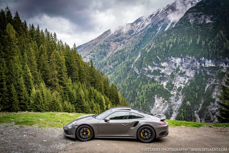 Porsche 911 - Stelvio Pass - Italy